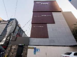 Gary Cooper Hotel