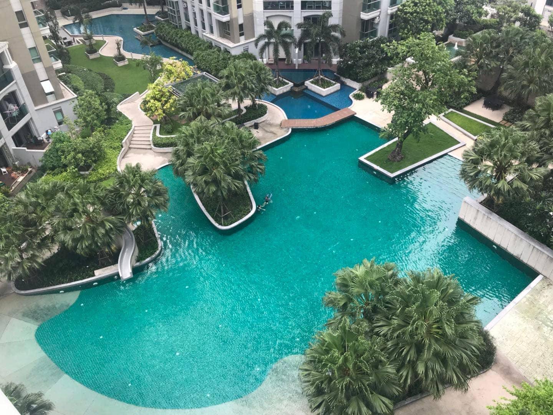 Modern Resort Like Condo In Central Bangkok
