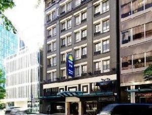 温哥华市区戴斯酒店 (Days Inn - Vancouver Downtown)