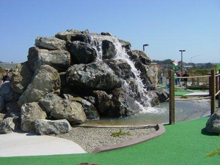Emerald Dolphin Inn And Mini Golf