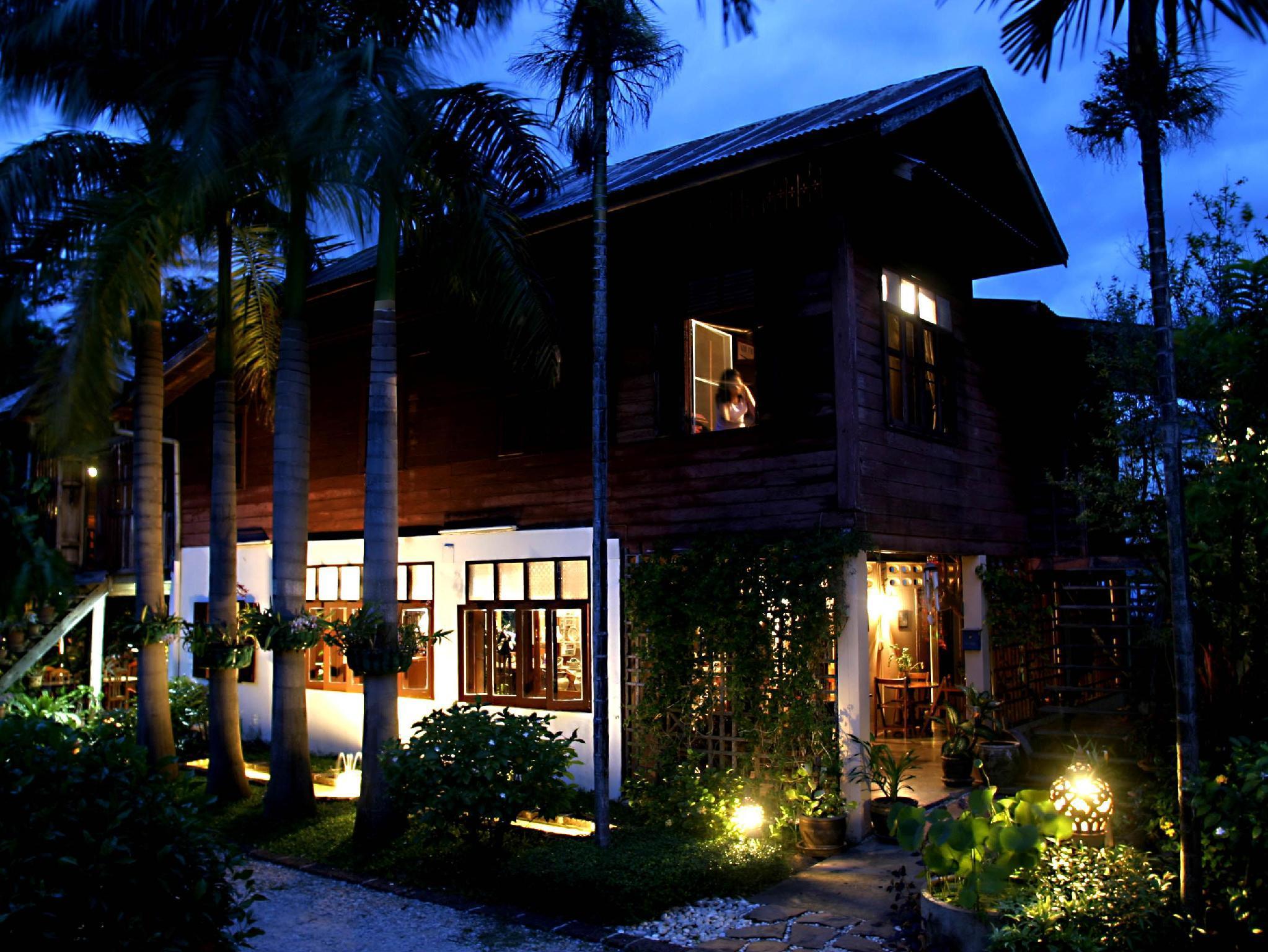 Lotus Village Hotel โรงแรมโลตัส วิลเลจ