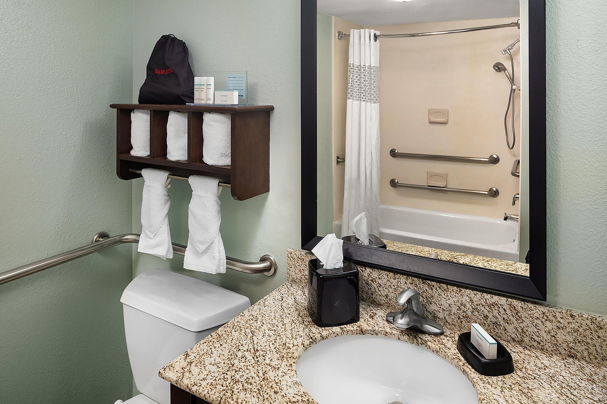 Hampton Inn And Suites Miami Doral Dolphin Mall