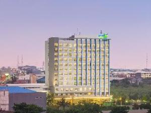 西卡朗首相商务酒店 (Primebiz Hotel Cikarang)