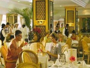 關於RIU那波飯店 (RIU Naiboa Hotel)