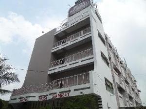 關於莫迪薩姆萊特飯店 (Hotel Modi Samrat)