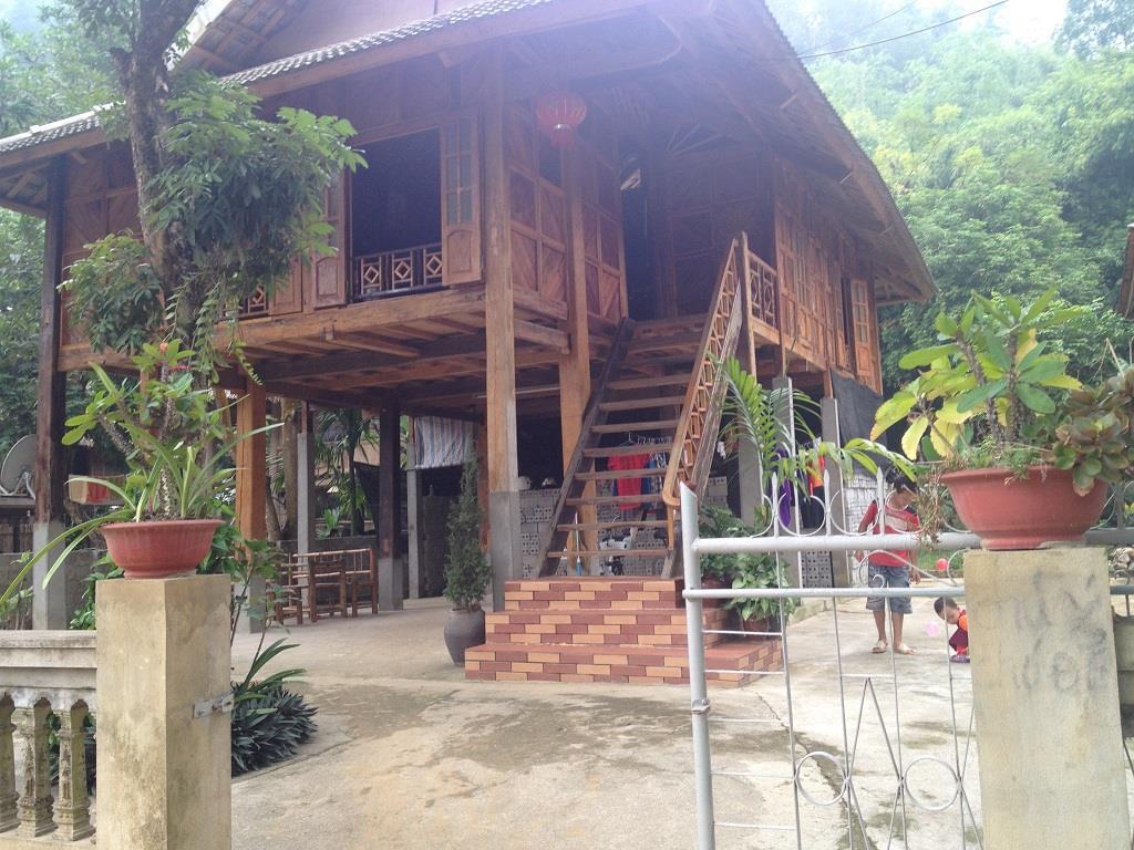 Sung Duan Stilt House