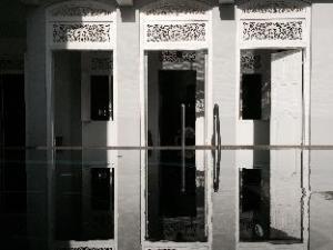 エイト ザ レジデンス アンバランゴダ (Eight The Residence Ambalangoda)