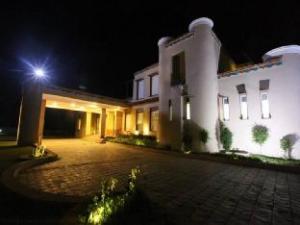 Treehouse Dwarka Hotel