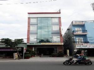 Hang Hoa Hotel