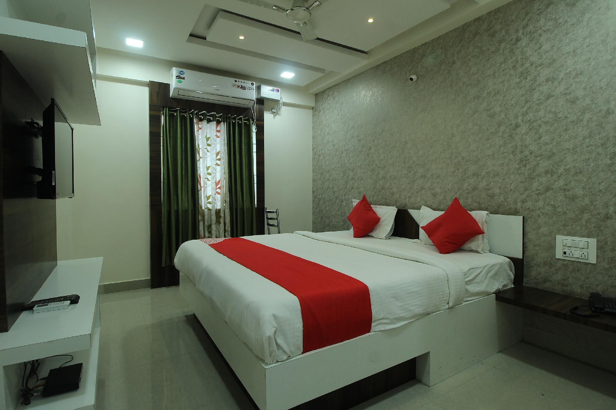OYO 38770 Hotel Regal Residency