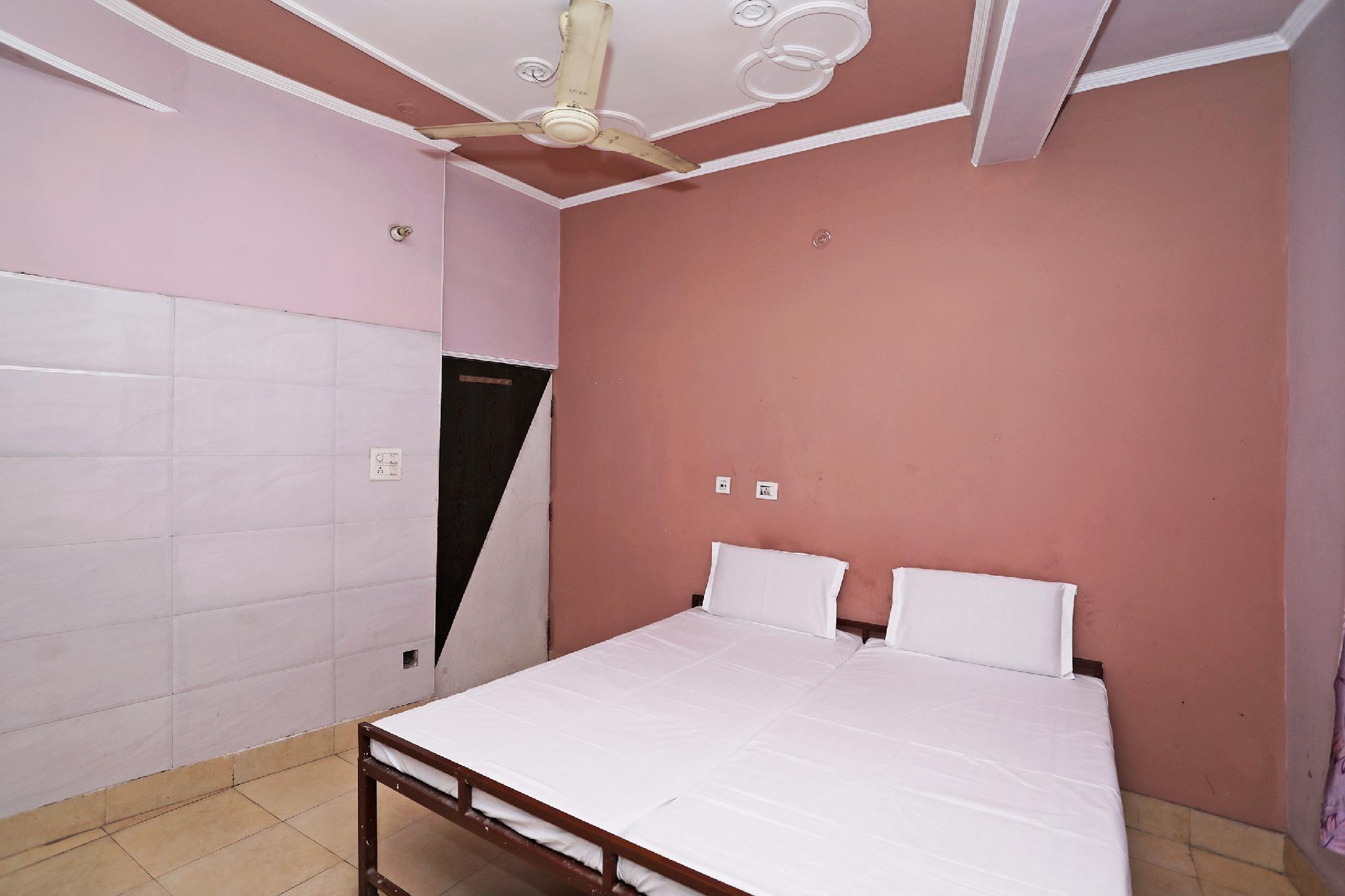 SPOT ON 40652 Hotel Sai Niwas