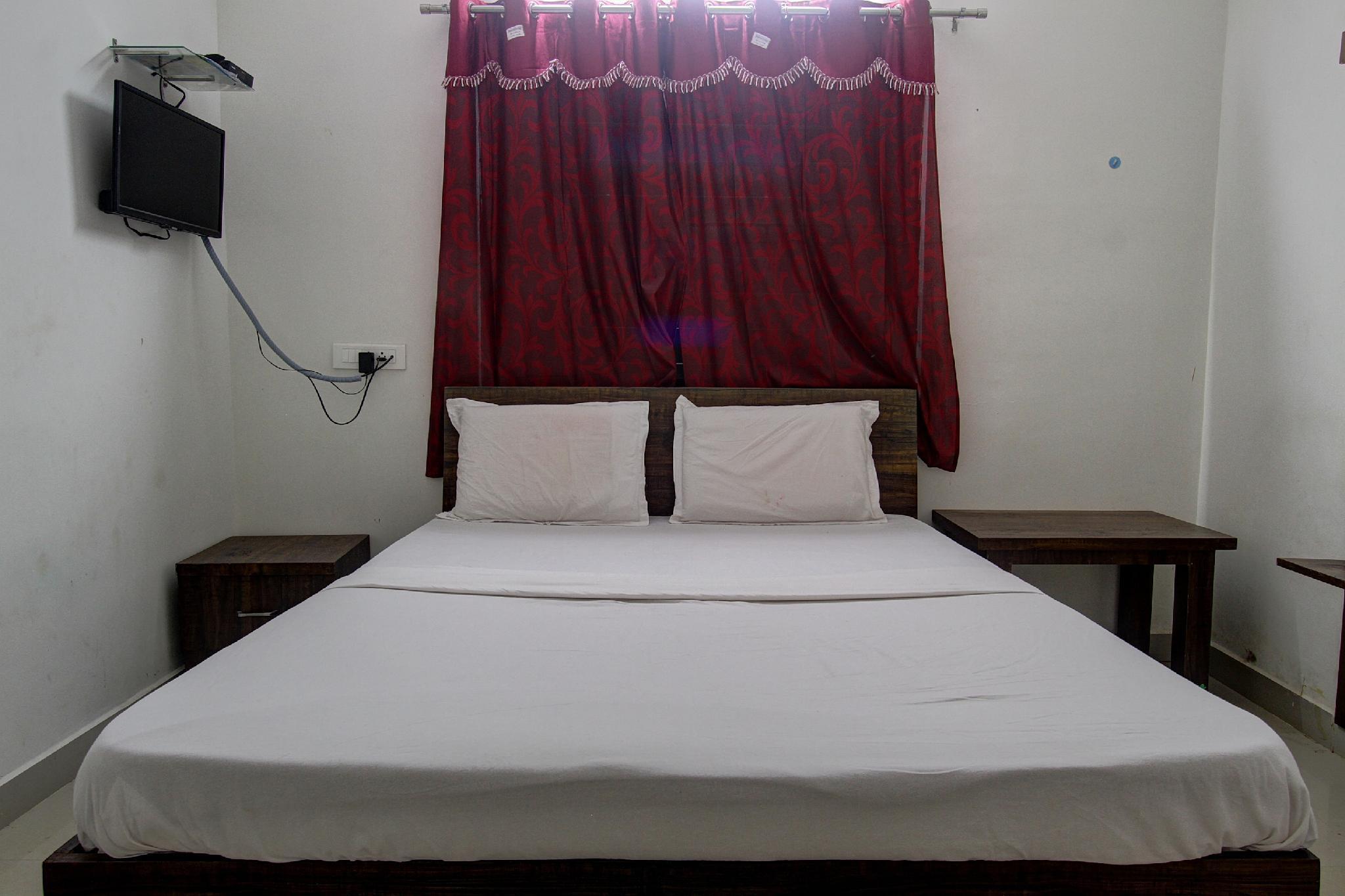 SPOT ON 41964 Hotel Alankar Lodging And Boarding