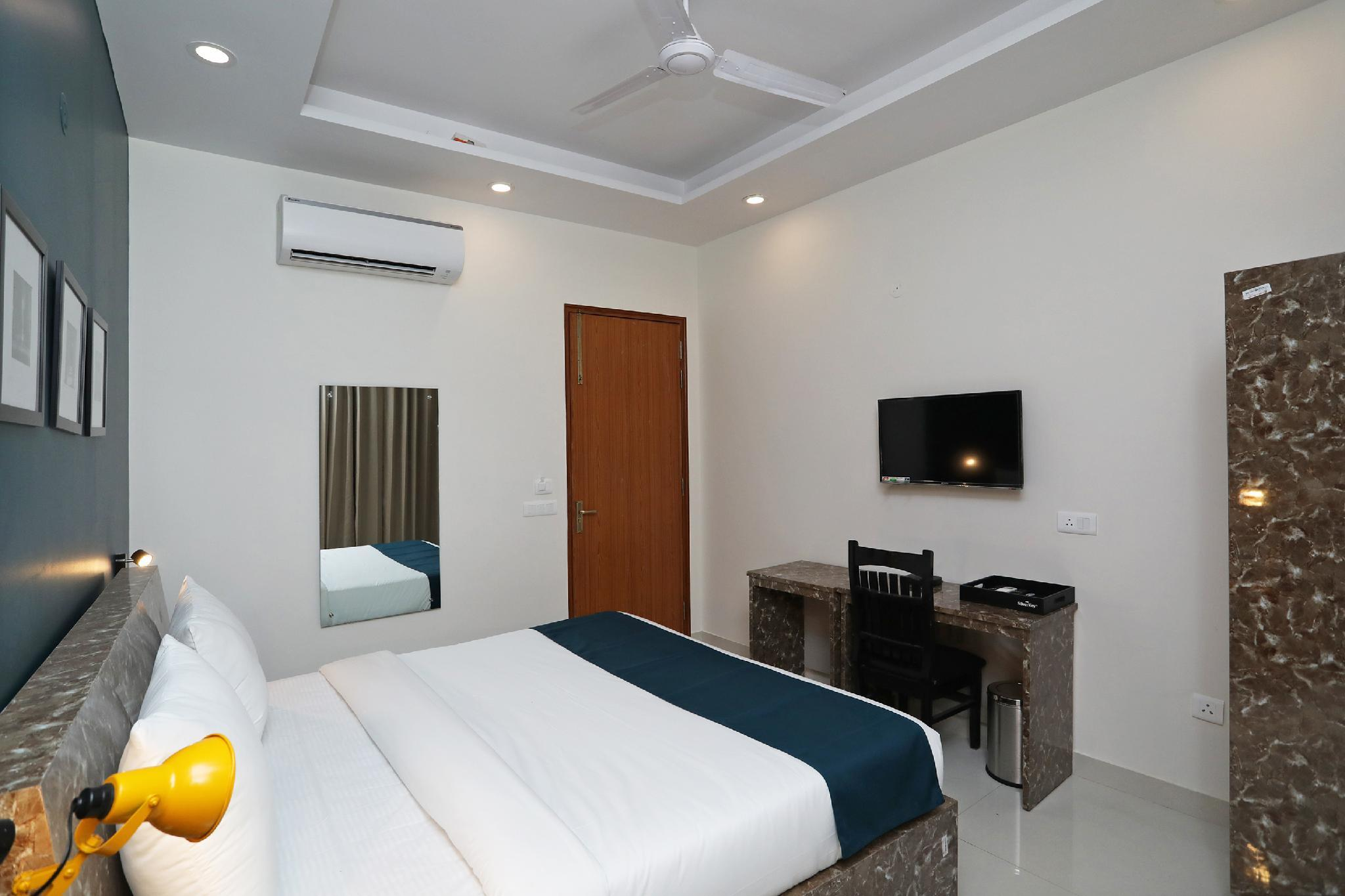 SilverKey Executive Stays 40971 Netaji Subhash Marg