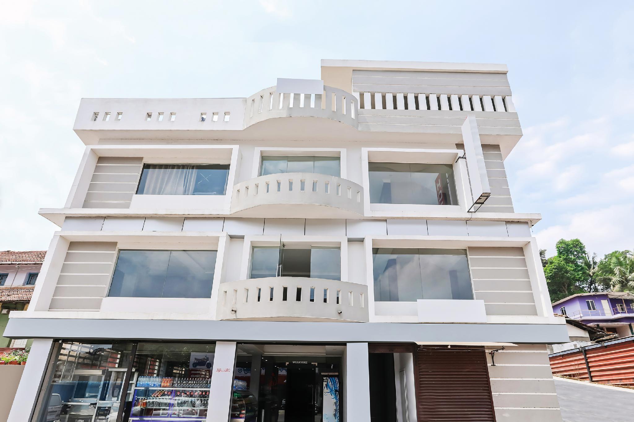 OYO 30876 White Palace Tourist Home