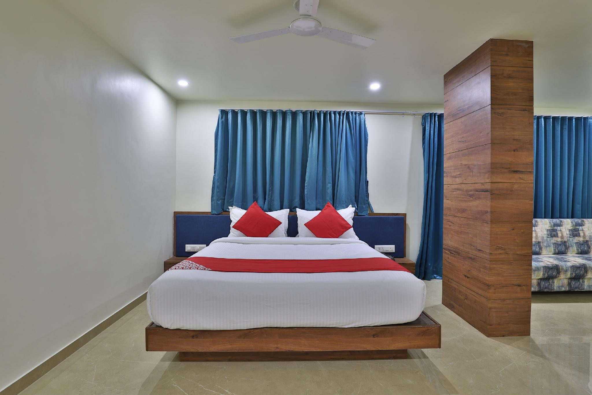 OYO 42257 Hotel Daksh