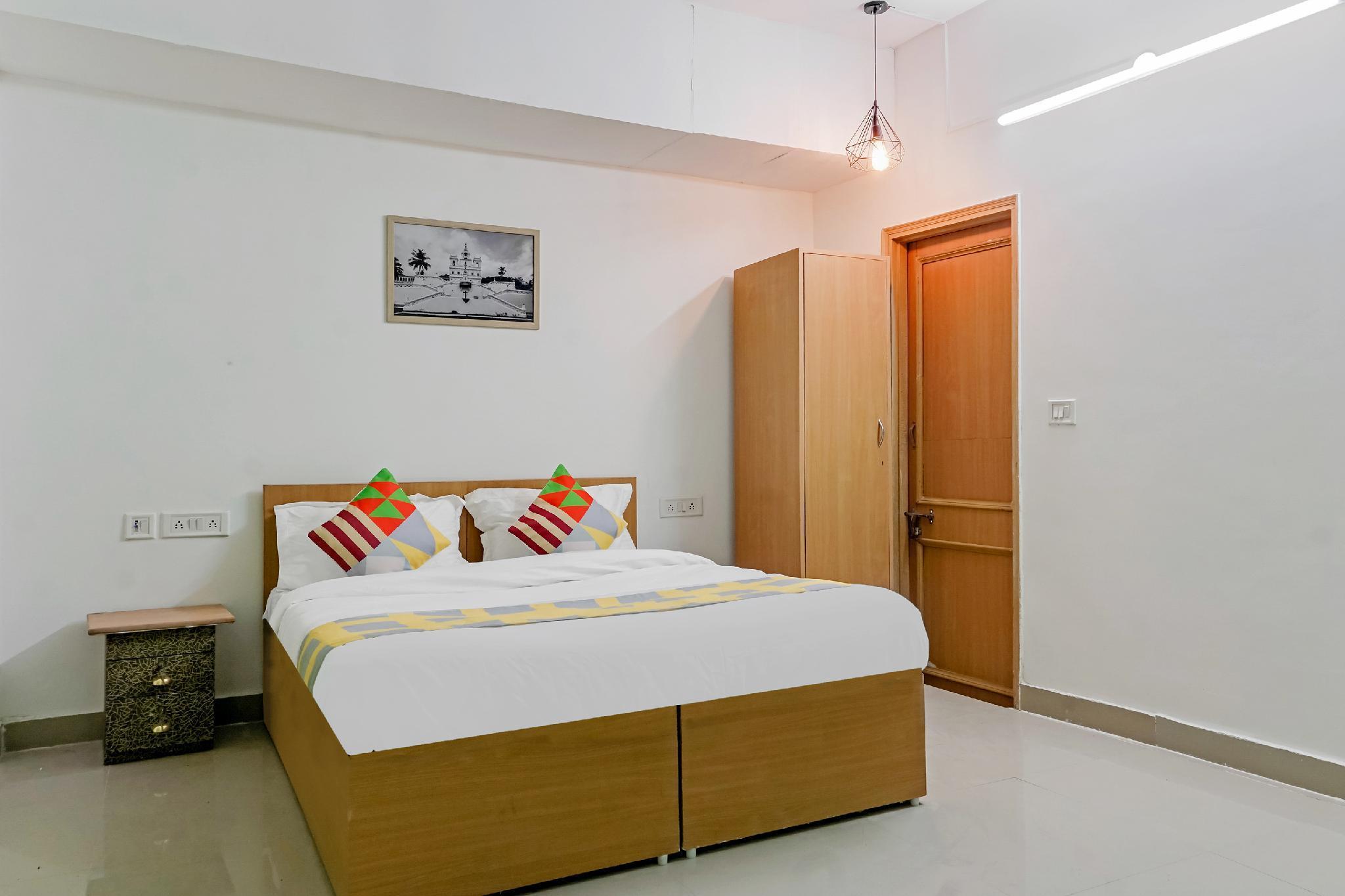 OYO 28810 Classic Stay Lajpat Nagar 1