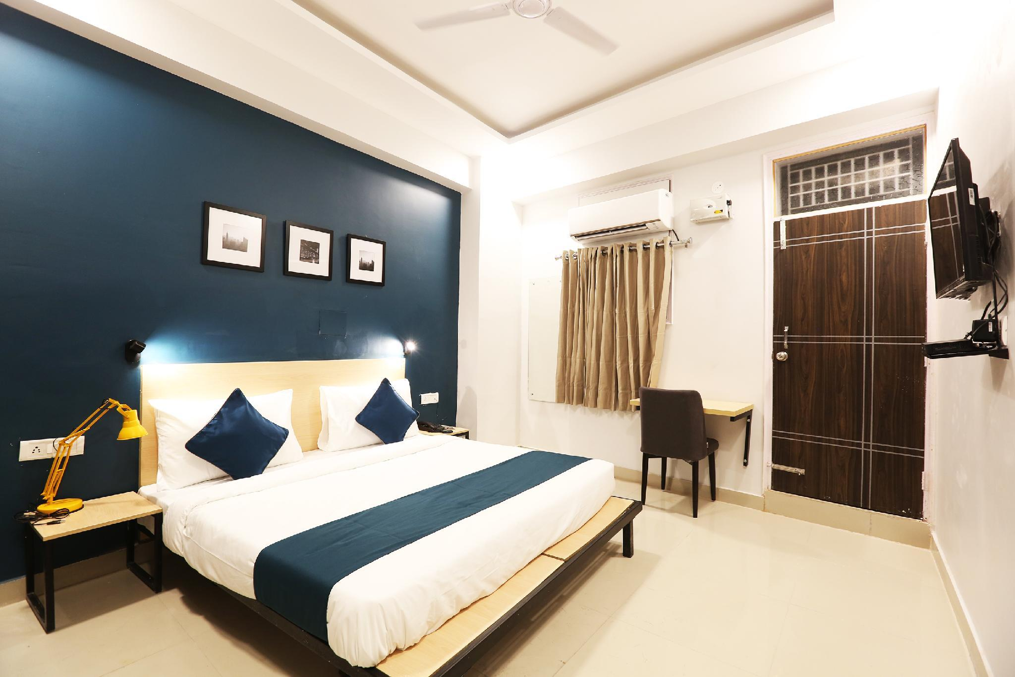 SilverKey Executive Stays 39691 Mittal Residency Mayur Vihar Phase 1