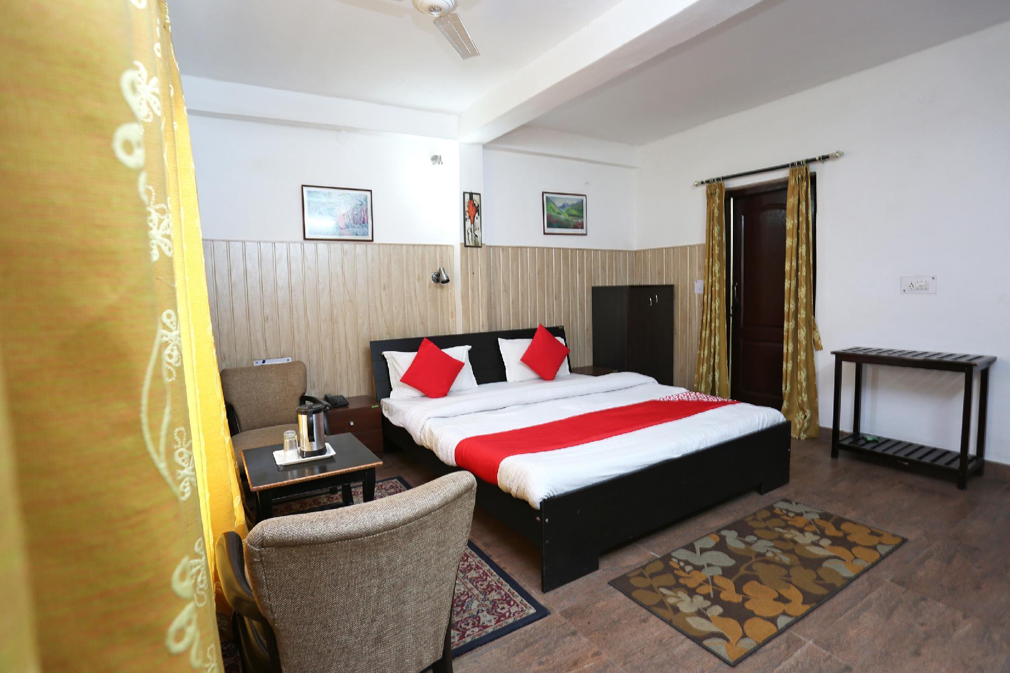 OYO 39865 Hotel Guruvesh