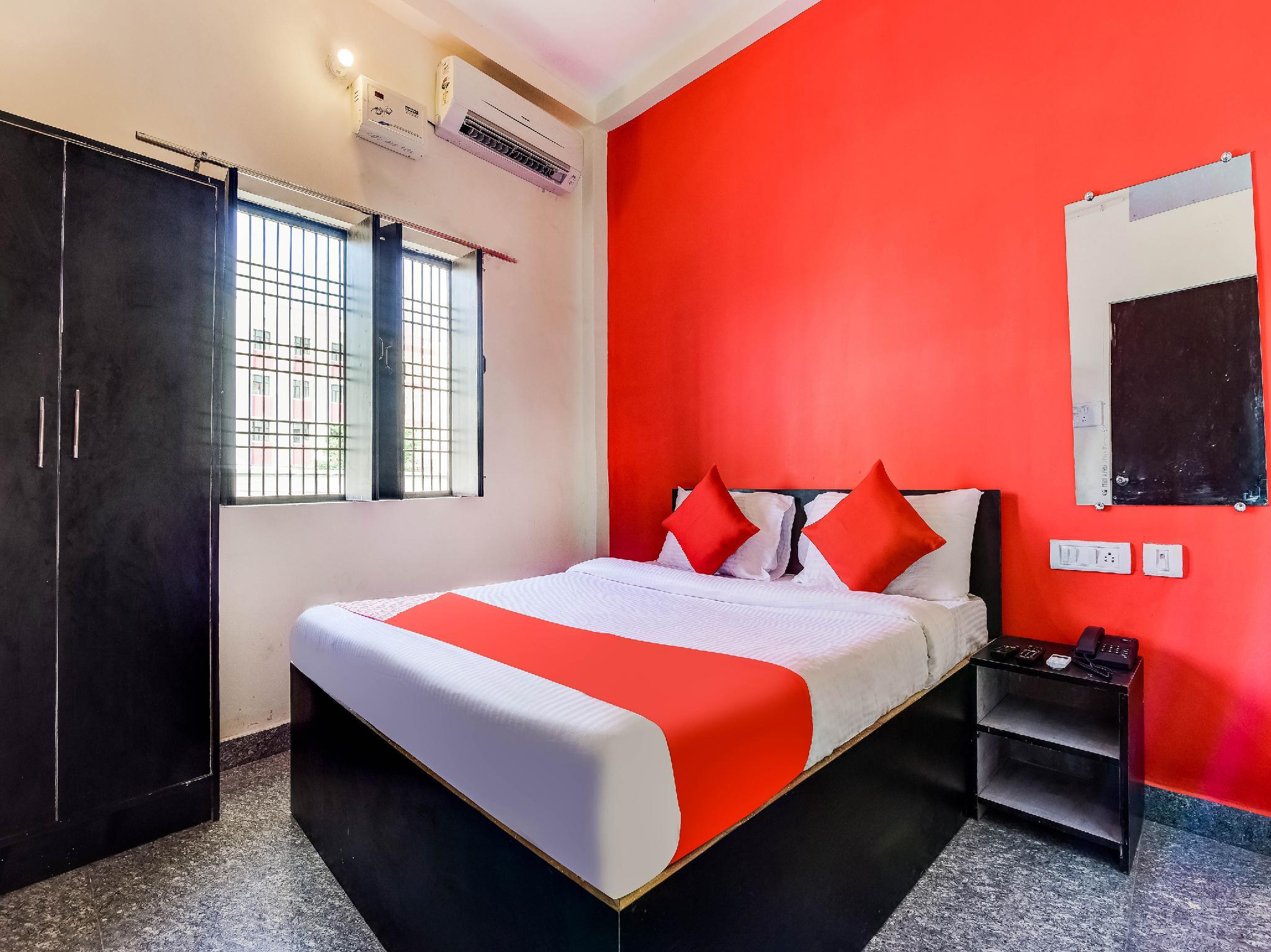 OYO 40070 Hotel Vaishnavi Inn
