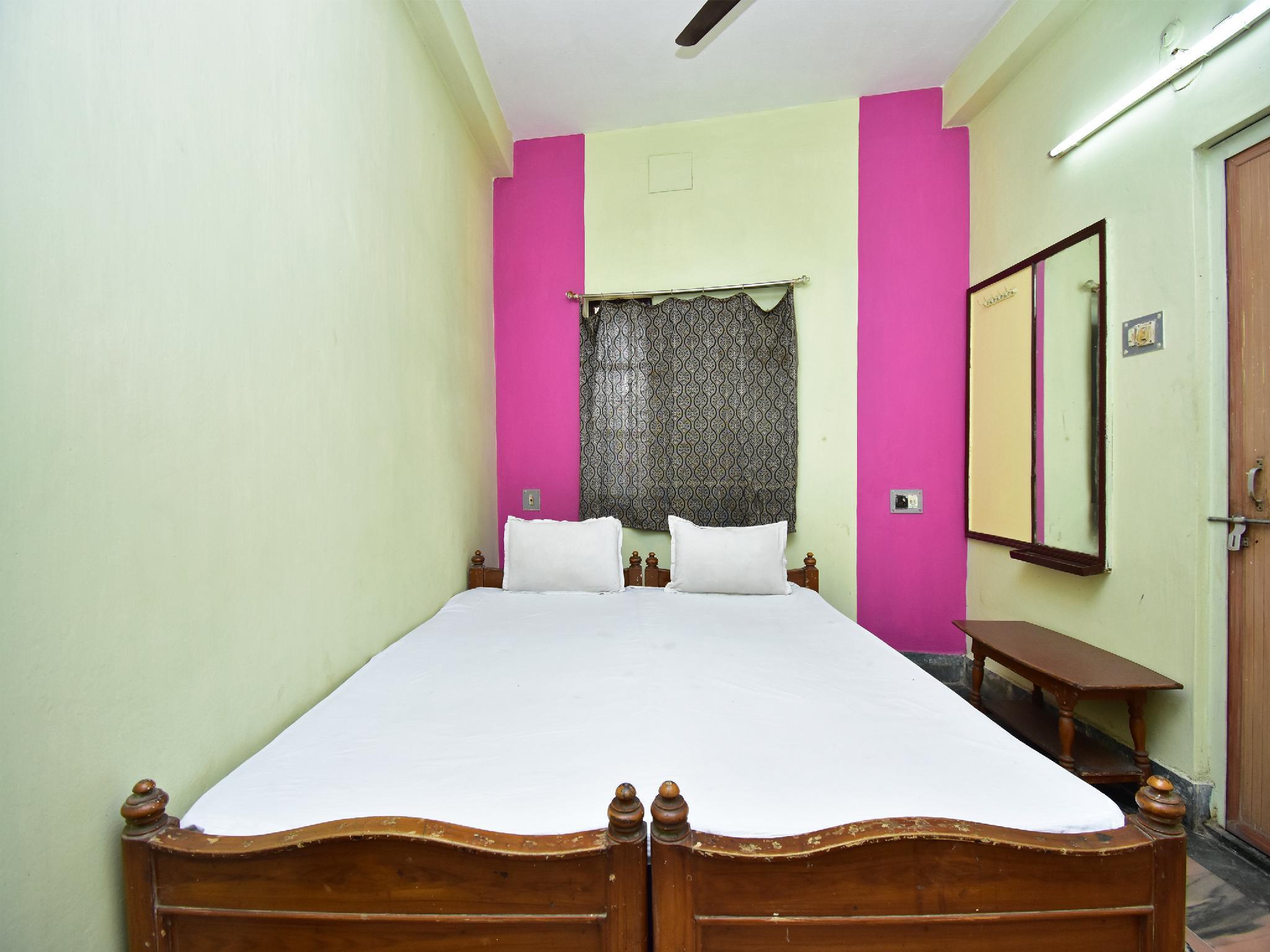 SPOT ON 40648 Hotel Deep