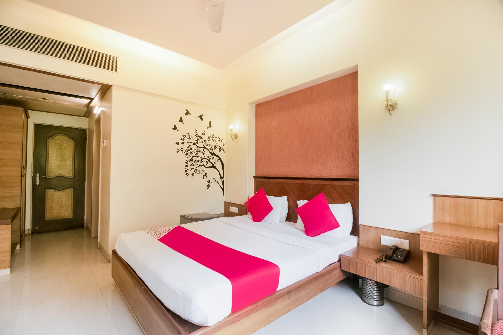 Capital O 41076 Hotel Dhiraj Residency
