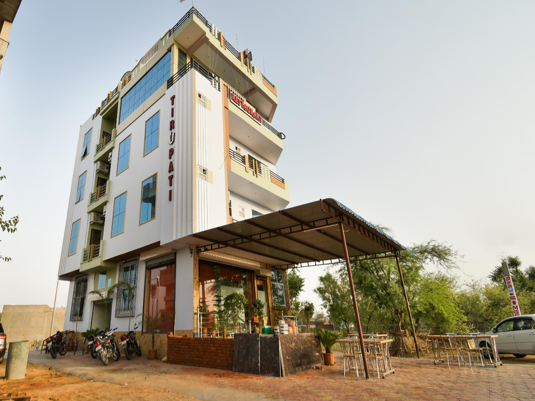 OYO 40238 Hotel Tirupati