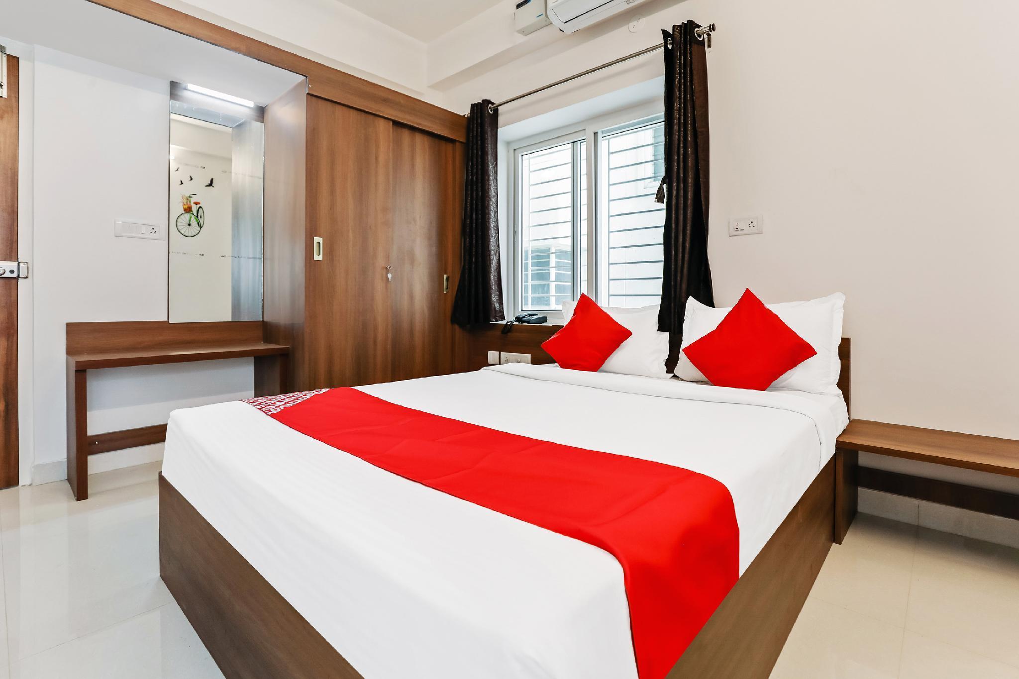 Capital O 39746 The Roy Grand Inns