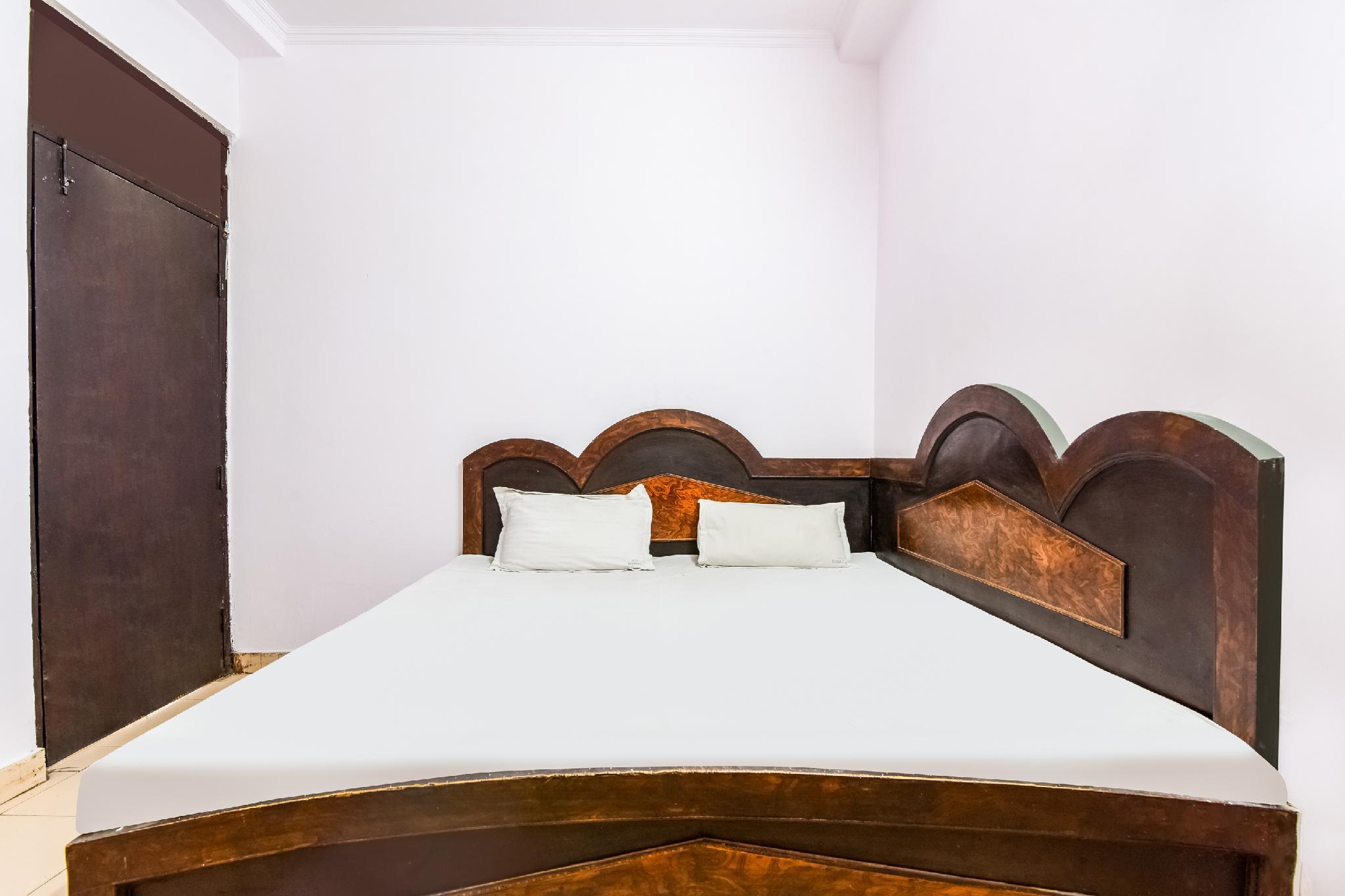 SPOT ON 39905 Raman Palace