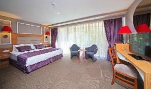 올 시즌 호텔  (All Seasons Hotel)