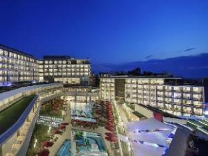The Sense Deluxe Hotel