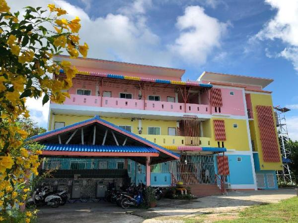 Pakamon Apartment  2 Phuket