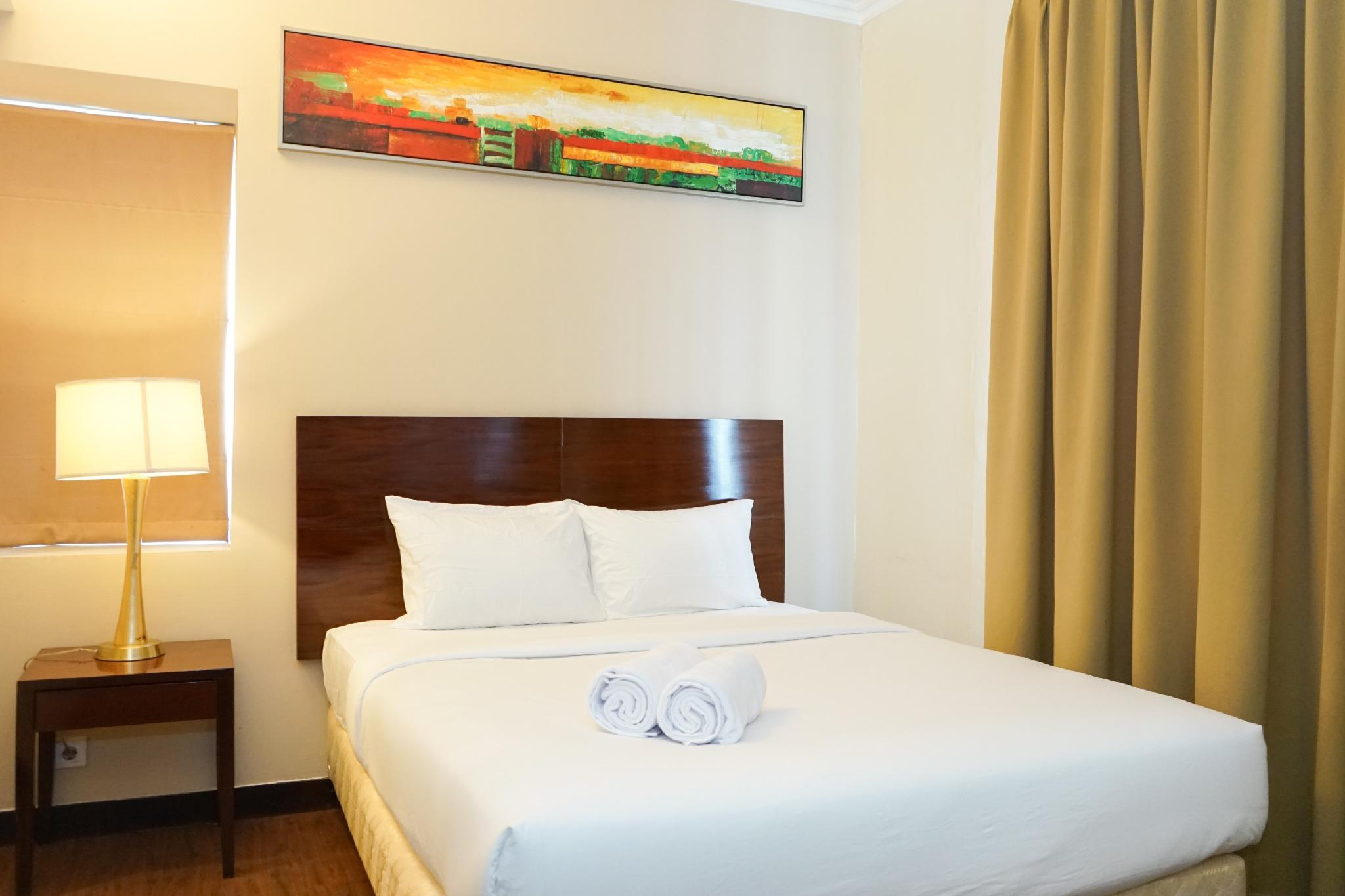 Comfy 1BR @ Ancol Marina Apartment By Travelio