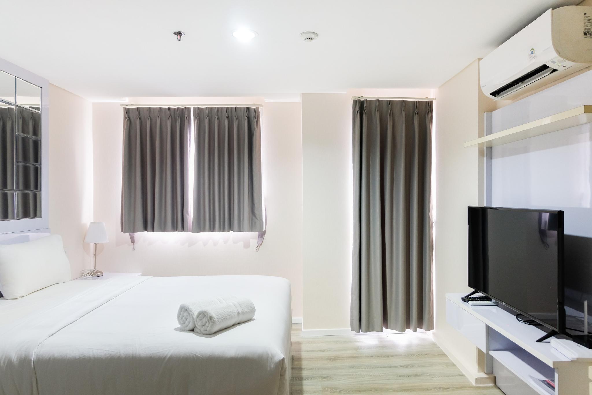 Studio Room At Bintaro Icon Apartment By Travelio