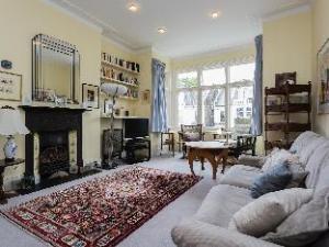 Veeve  House Dyne Road Kilburn
