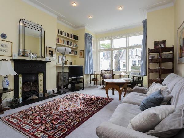 Veeve  House Dyne Road Kilburn London