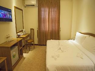 Royal Golden 9 Mile Hotel 5
