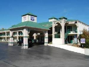 Super 8 Motel Airport