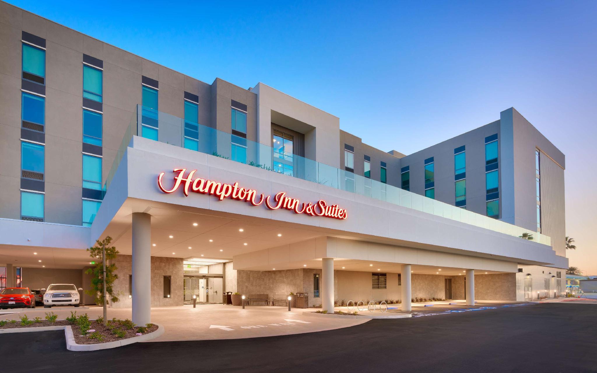 Hampton Inn And Suites Anaheim Resort Convention Center