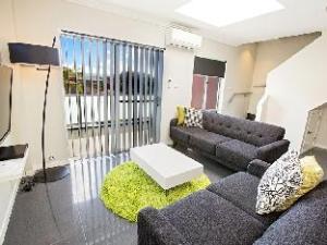 Astina Serviced Apartments - Parkside