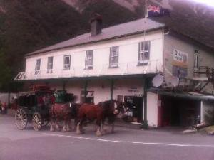 Otira Stagecoach Hotel