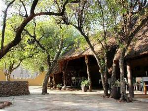 Ukutula Lion Lodge