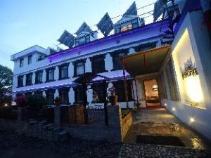 Информация за Hotel Heranya (Hotel Heranya )