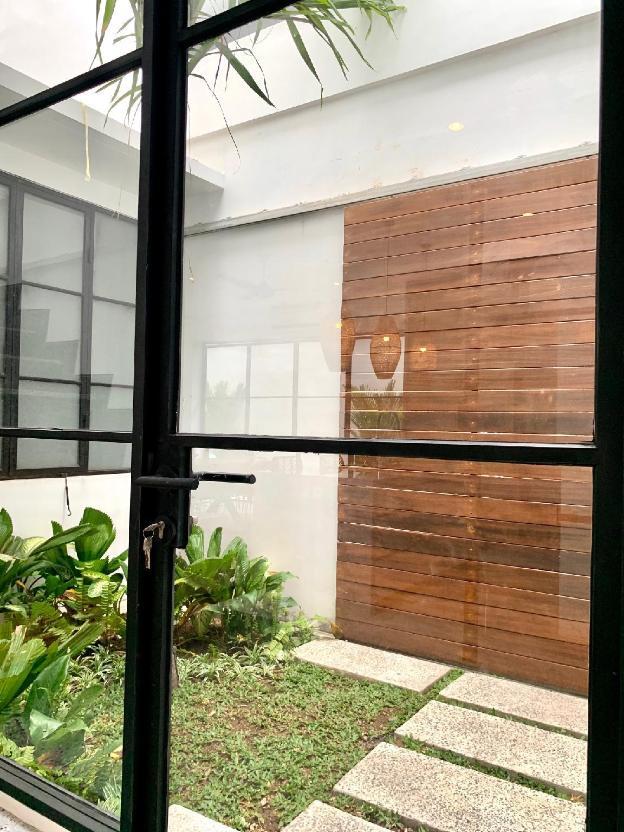 VILLA VERDE Luxury Villa close to FINNS BEACH CLUB