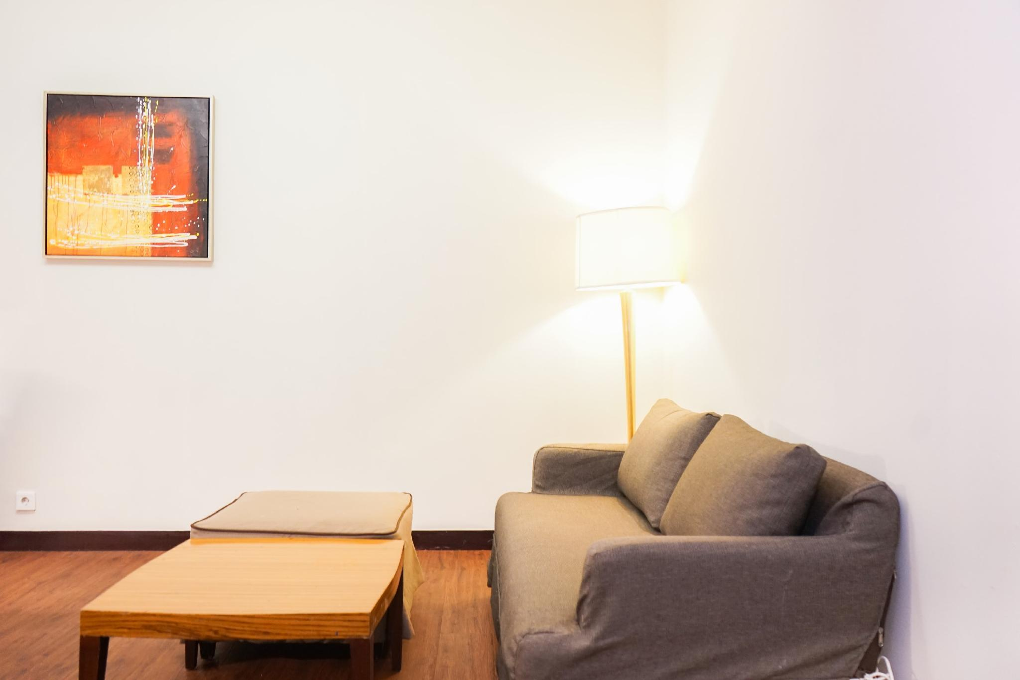 Minimalist Ancol Marina 1BR Twin Bed By Travelio