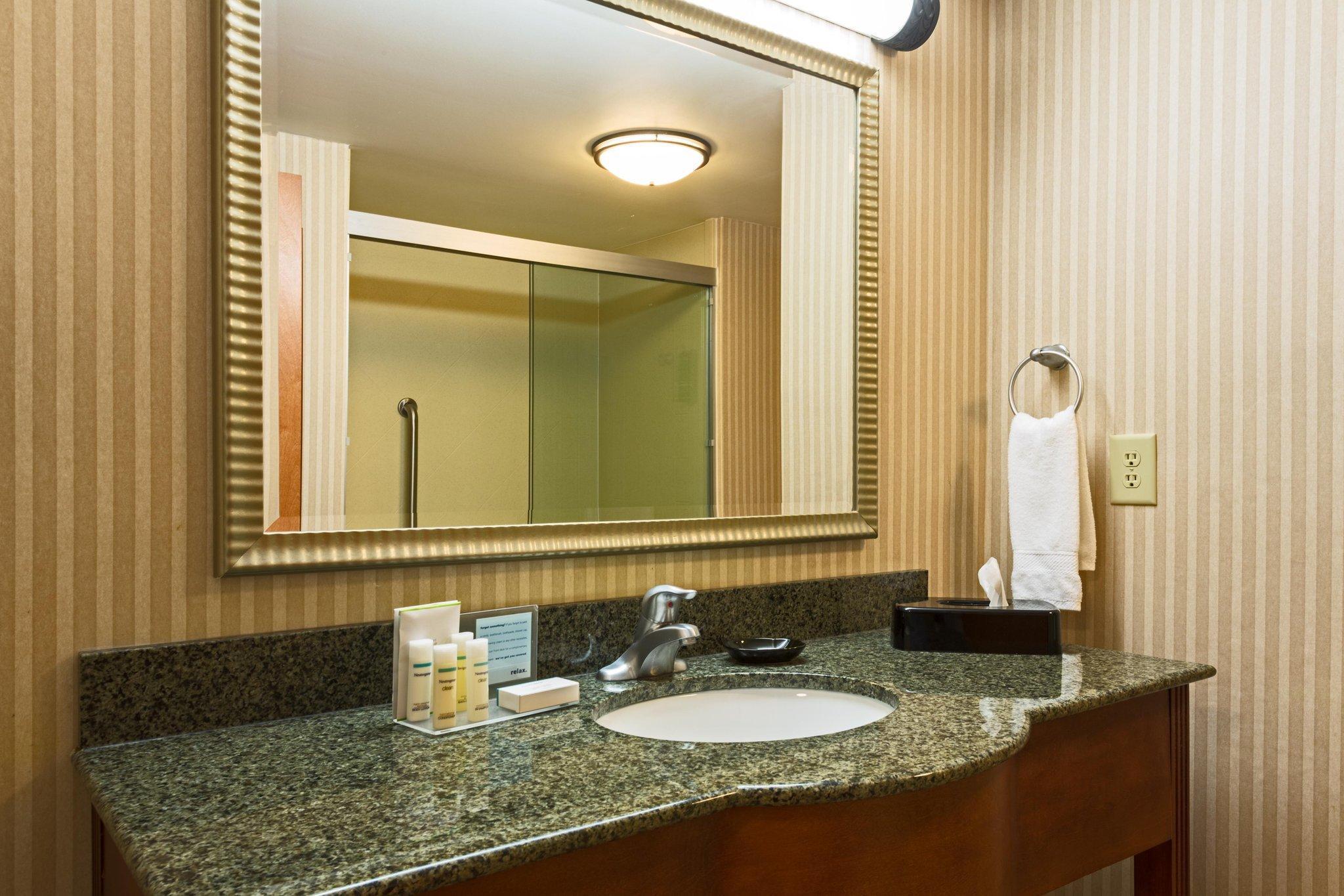 Hampton Inn And Suites Macon I 75 North