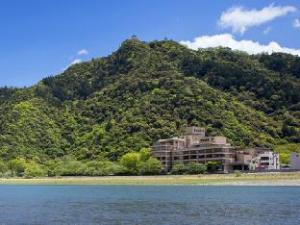นาการะกาวะ สปา โฮเต็ล พาร์ค (Nagaragawa Spa Hotel Park)