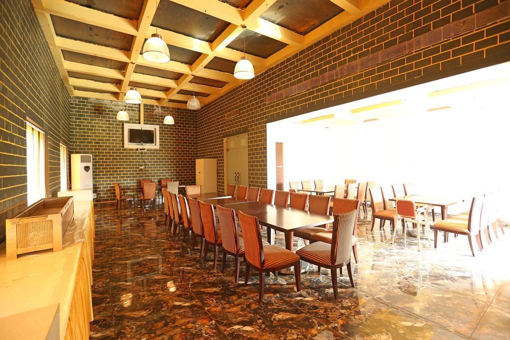 Mohan Vilaas   Hotel & Resort