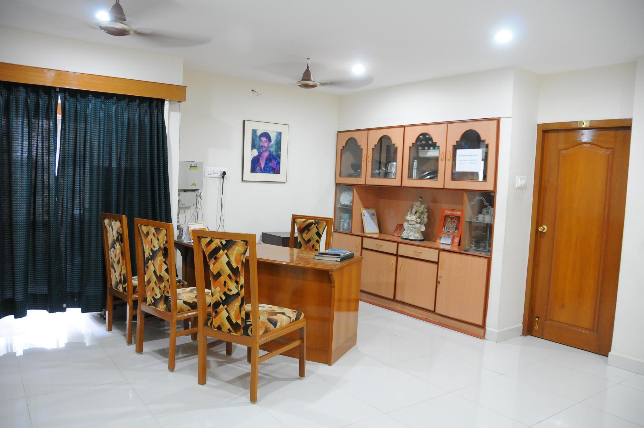 Lloyds Guest House North Boag Road   T Nagar