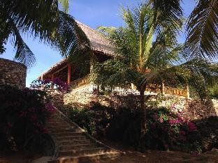 picture 5 of Islandia Beach Resort