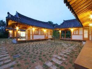 Gyeongju Hanok Pen Town Guesthouse